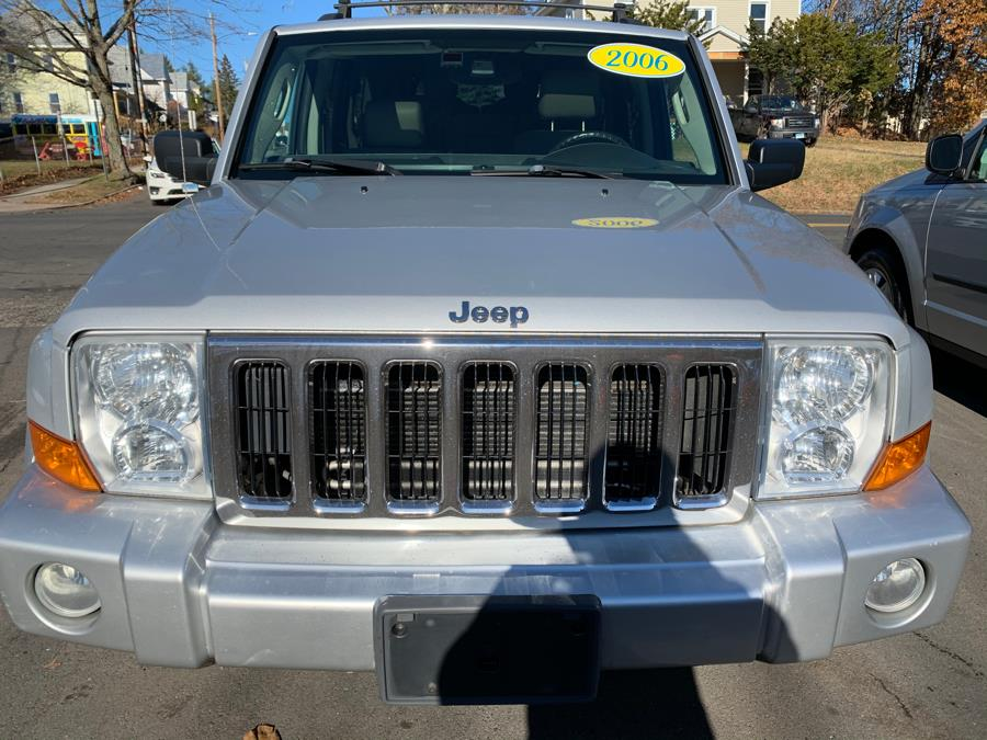 Used Jeep Commander 4dr Limited 4WD 2006 | Central Auto Sales & Service. New Britain, Connecticut