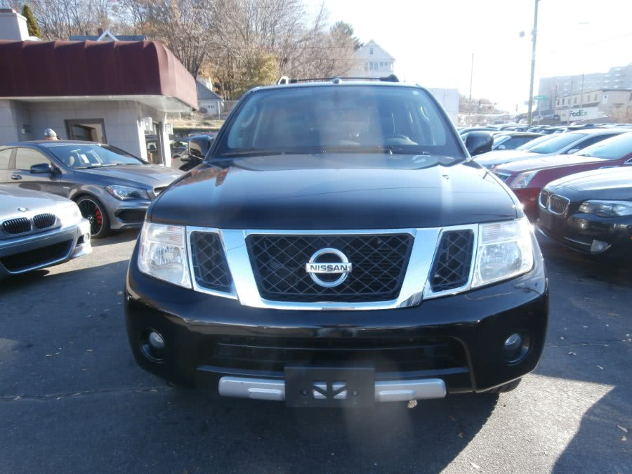 Used 2011 Nissan Pathfinder in Waterbury, Connecticut | Jim Juliani Motors. Waterbury, Connecticut