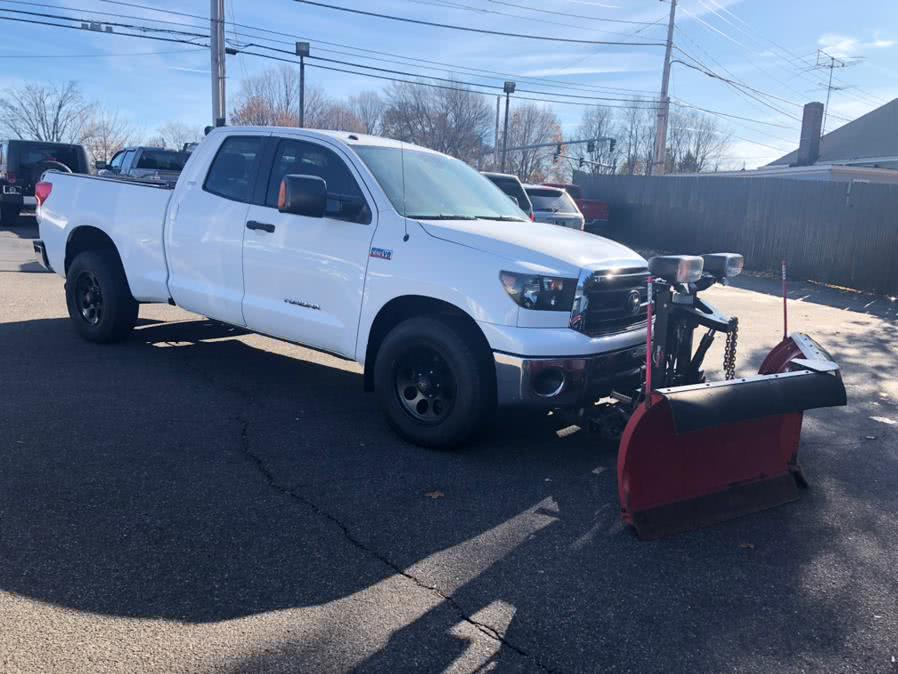 Used 2010 Toyota Tundra 4WD Truck in Milford, Connecticut | Chip's Auto Sales Inc. Milford, Connecticut
