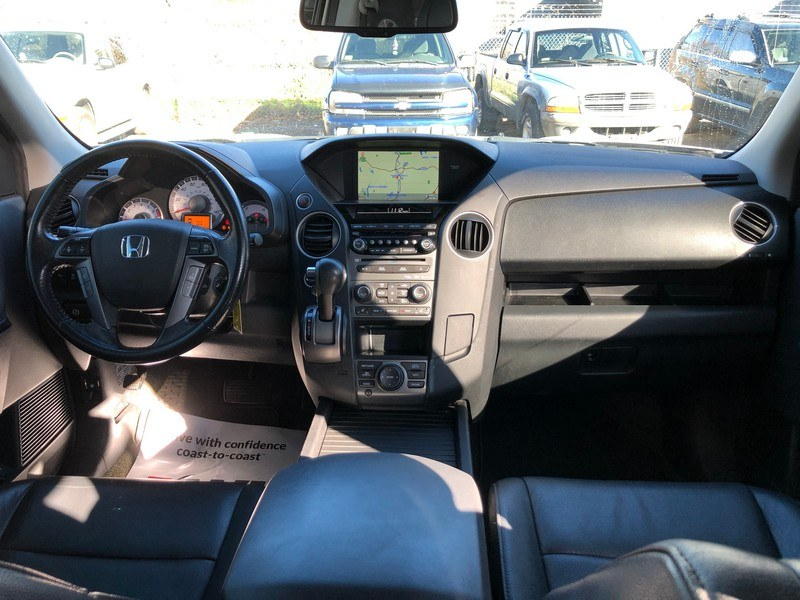 2014 Honda Pilot 4WD 4dr Touring w/RES & Navi, available for sale in West Springfield, Massachusetts | Union Street Auto Sales. West Springfield, Massachusetts