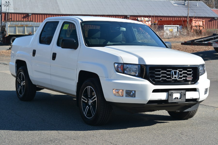 Used Honda Ridgeline 4WD Crew Cab Sport 2014 | New Beginning Auto Service Inc . Ashland , Massachusetts