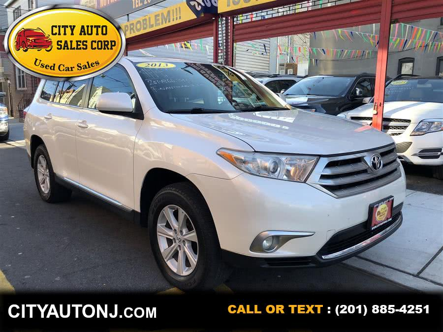 Used 2013 Toyota Highlander in Union City, New Jersey | City Auto Sales Corp. Union City, New Jersey
