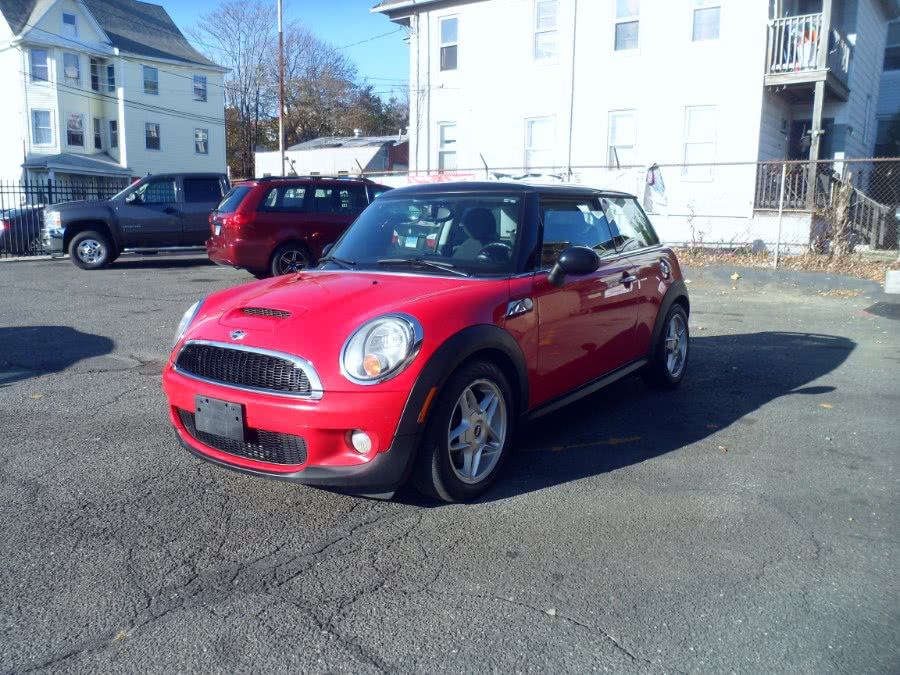 Used 2010 MINI Cooper Hardtop in Bridgeport, Connecticut | Hurd Auto Sales. Bridgeport, Connecticut