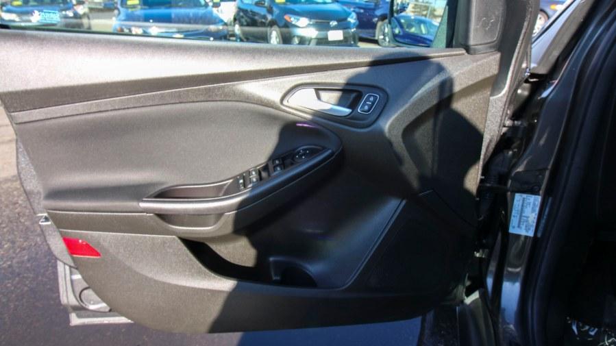 Used Ford Focus 4dr Sdn SE 2016 | Inman Motors Sales. Medford, Massachusetts