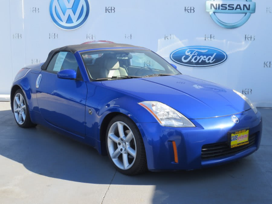Used 2004 Nissan 350Z in Santa Ana, California | Auto Max Of Santa Ana. Santa Ana, California