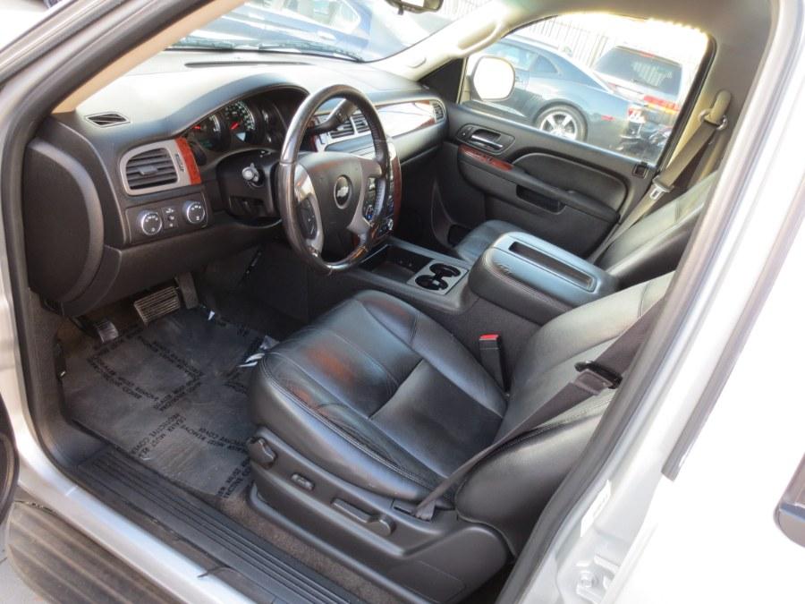 2013 Chevrolet Suburban 4WD 4dr 1500 LT, available for sale in Santa Ana, California | Auto Max Of Santa Ana. Santa Ana, California
