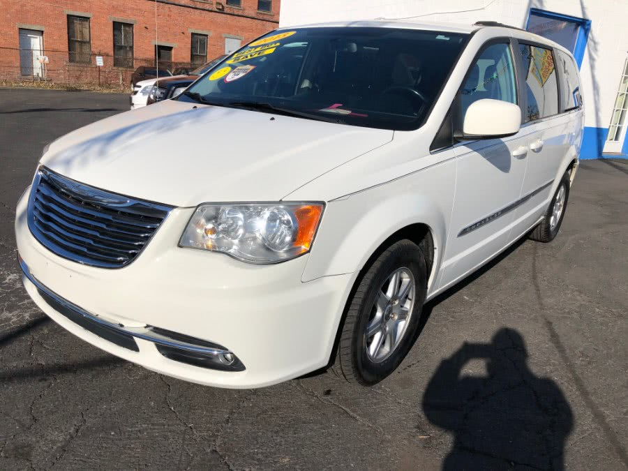 Used 2012 Chrysler Town & Country in Bridgeport, Connecticut | Affordable Motors Inc. Bridgeport, Connecticut