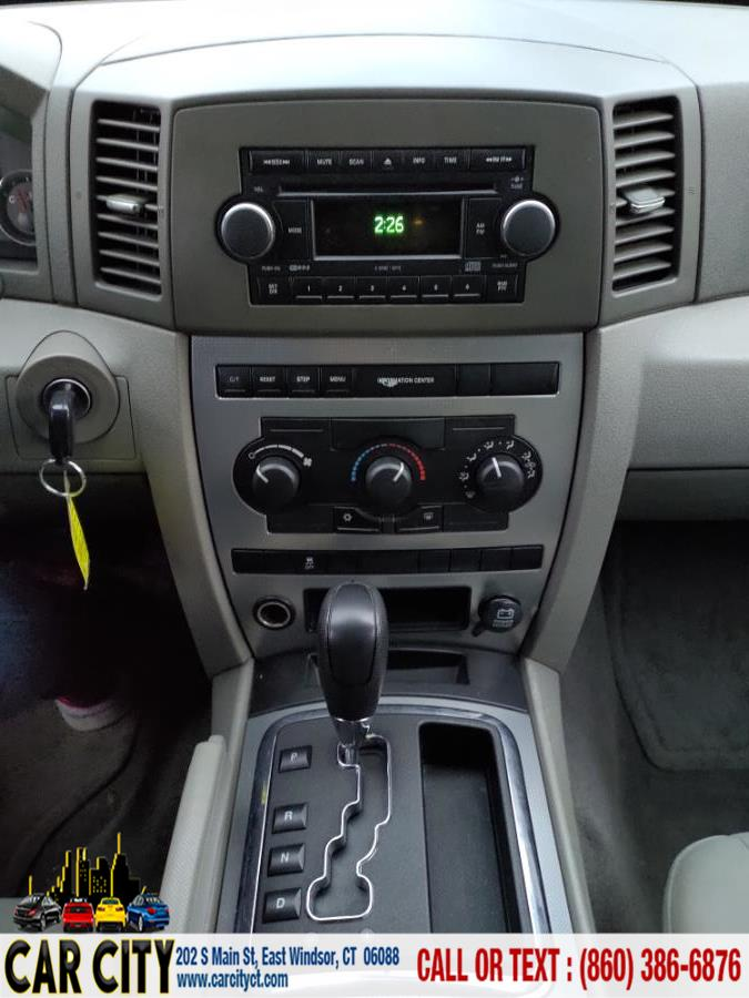 2006 Jeep Grand Cherokee 4dr Laredo 4WD, available for sale in East Windsor, Connecticut | Car City LLC. East Windsor, Connecticut