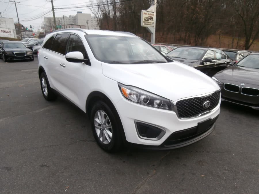 Used 2016 Kia Sorento in Waterbury, Connecticut | Jim Juliani Motors. Waterbury, Connecticut