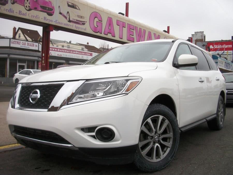 Used 2013 Nissan Pathfinder in Jamaica, New York | Gateway Car Dealer Inc. Jamaica, New York