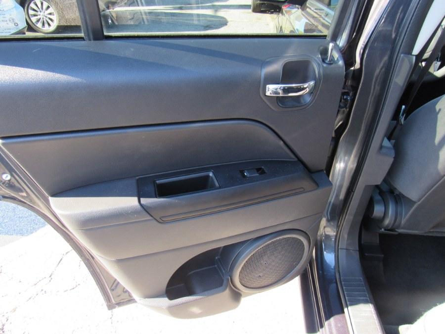 Used Jeep Patriot 4WD 4dr Sport 2014 | Hilario's Auto Sales Inc.. Worcester, Massachusetts