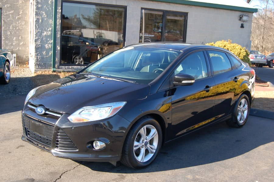 Used Ford Focus 4dr Sdn SE 2012 | M&N`s Autohouse. Old Saybrook, Connecticut
