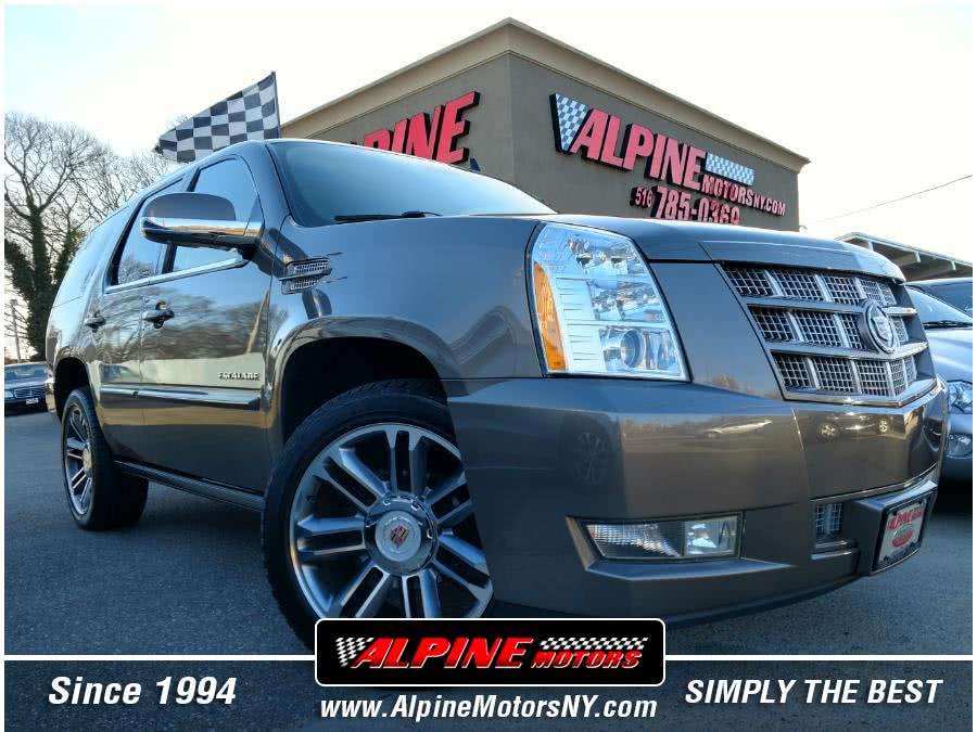 Used 2013 Cadillac Escalade in Wantagh, New York | Alpine Motors Inc. Wantagh, New York