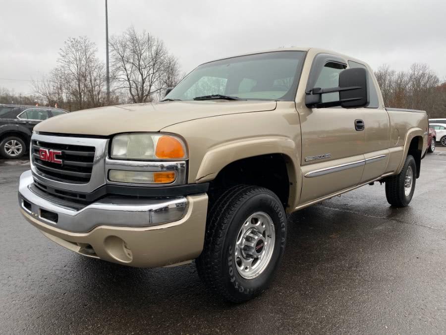 Used 2004 GMC Sierra 2500HD in Ortonville, Michigan | Marsh Auto Sales LLC. Ortonville, Michigan
