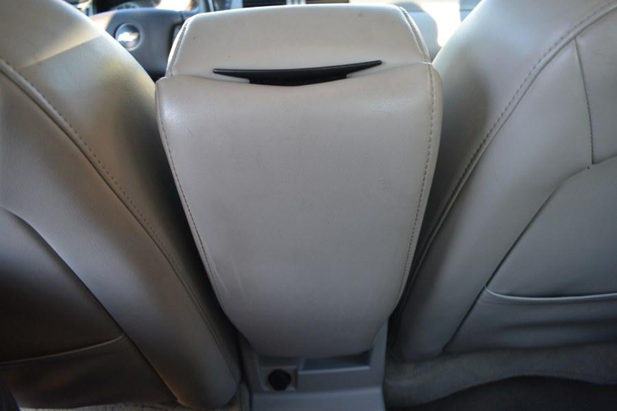Used Chevrolet Impala 4dr Sdn 3.9L LT 2007 | Longmeadow Motor Cars. ENFIELD, Connecticut
