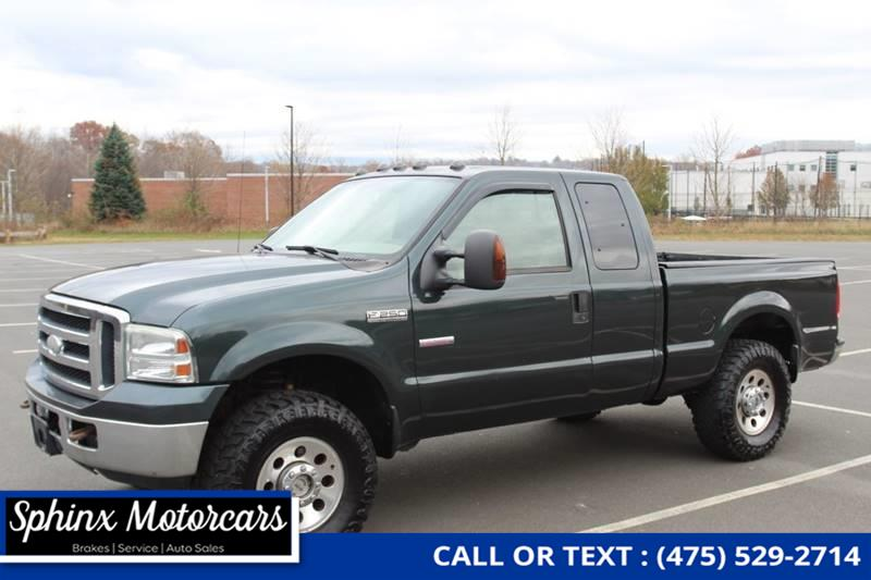 2006 Ford F-250 Super Duty XLT 4dr SuperCab 4WD SB, available for sale in Waterbury, Connecticut | Sphinx Motorcars. Waterbury, Connecticut