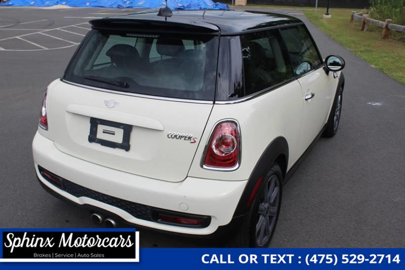 2012 Mini Cooper Hardtop S 2dr Hatchback, available for sale in Waterbury, Connecticut | Sphinx Motorcars. Waterbury, Connecticut