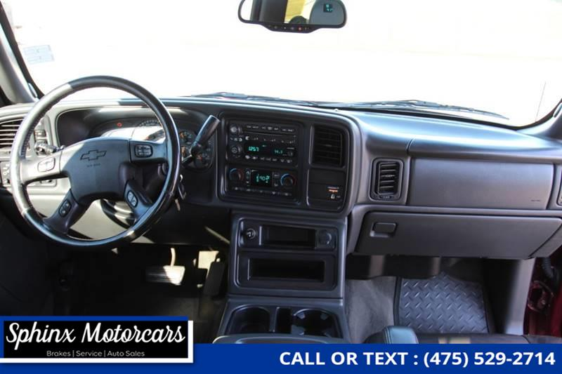 Used Chevrolet Silverado 3500 LT 4dr Extended Cab 4WD LB DRW 2004 | Sphinx Motorcars. Waterbury, Connecticut