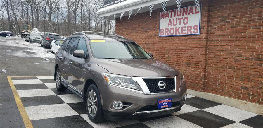 Used Nissan Pathfinder 4WD 4dr SV 2013 | National Auto Brokers, Inc.. Waterbury, Connecticut