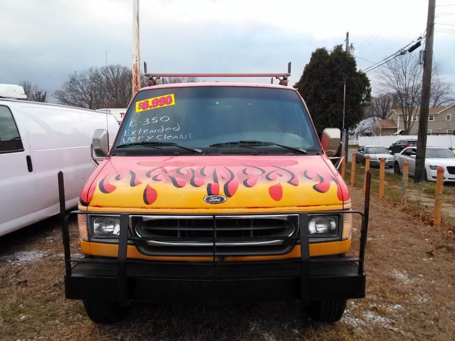 Used 2000 Ford Econoline Cargo Van in Lindenhurst, New York | The Van Depot Inc.. Lindenhurst, New York