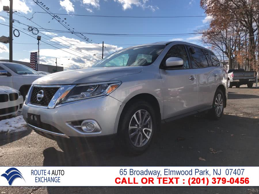 Used 2014 Nissan Pathfinder in Elmwood Park, New Jersey | Route 4 Auto Exchange. Elmwood Park, New Jersey