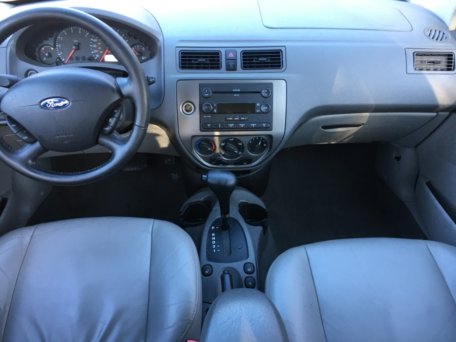 Used Ford Focus 4dr Sdn ZX4 SES 2005 | Elite Auto Brokers LLC. Norwich, Connecticut