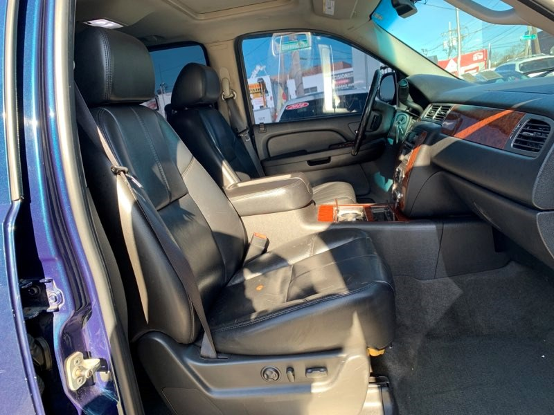 2007 Chevrolet Tahoe 4WD 4dr 1500 LT, available for sale in Inwood, New York   5townsdrive. Inwood, New York