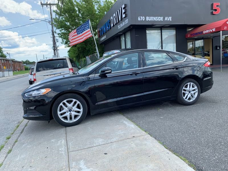 Used Ford Fusion 4dr Sdn SE FWD 2016 | 5 Towns Drive. Inwood, New York