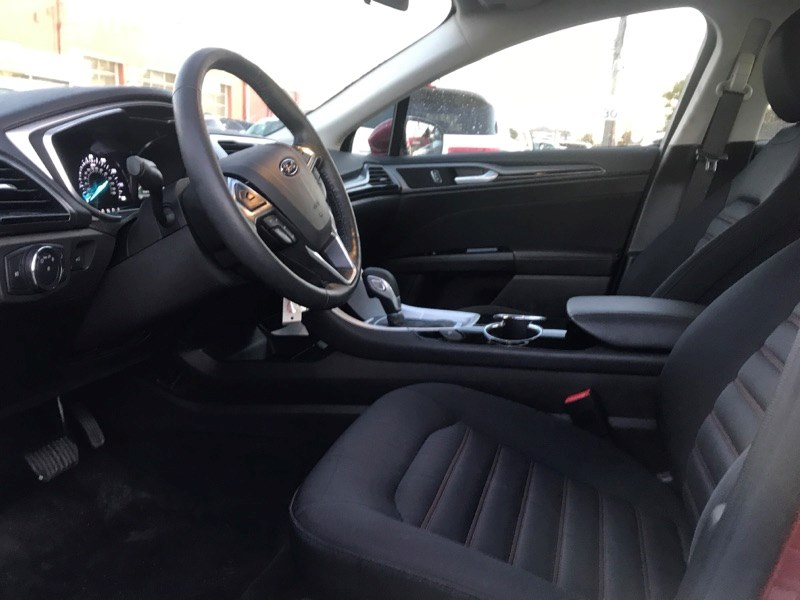 2016 Ford Fusion 4dr Sdn SE FWD, available for sale in Inwood, New York | 5townsdrive. Inwood, New York