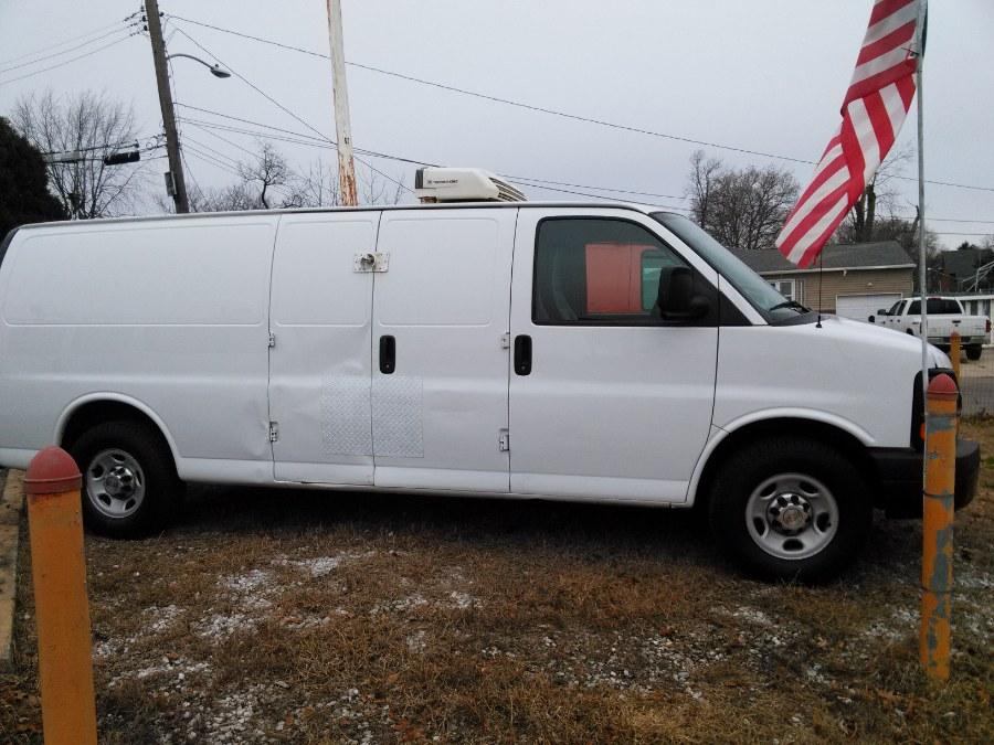2014 Chevrolet Express Cargo Van RWD 2500 155