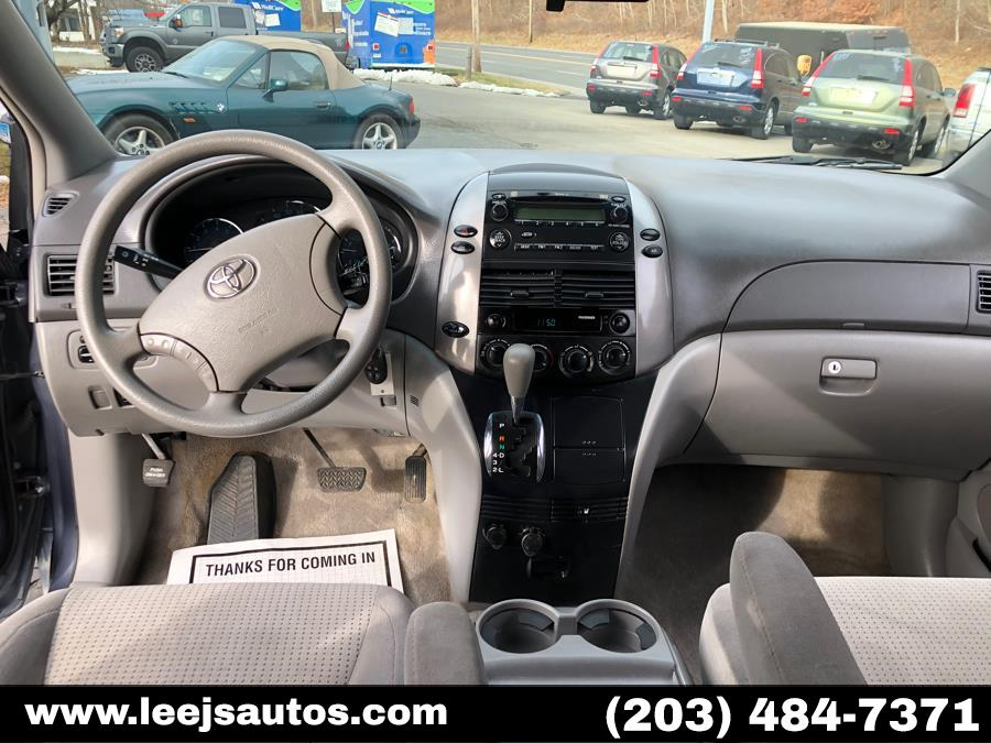 Used Toyota Sienna 5dr 7-Pass Van LE AWD 2008 | LeeJ's Auto Sales & Service. North Branford, Connecticut