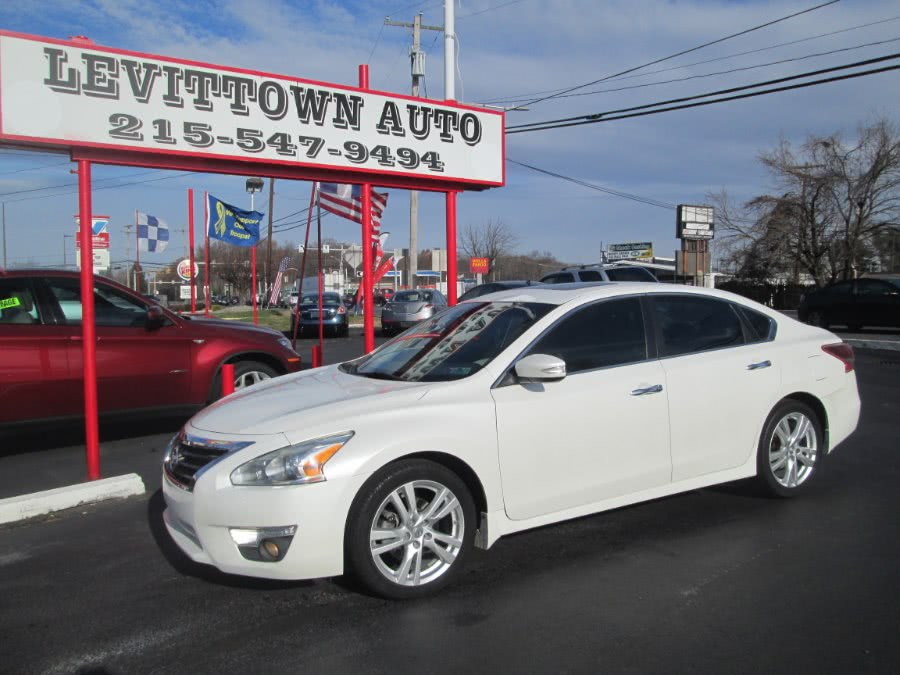 Used 2013 Nissan Altima in Levittown, Pennsylvania | Levittown Auto. Levittown, Pennsylvania