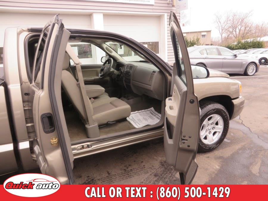 Used Dodge Dakota 2dr Club Cab 131 4WD SLT 2006 | Quick Auto LLC. Bristol, Connecticut