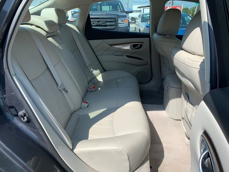 2011 Infiniti M37 4dr Sdn AWD, available for sale in Inwood, New York   5 Towns Drive. Inwood, New York