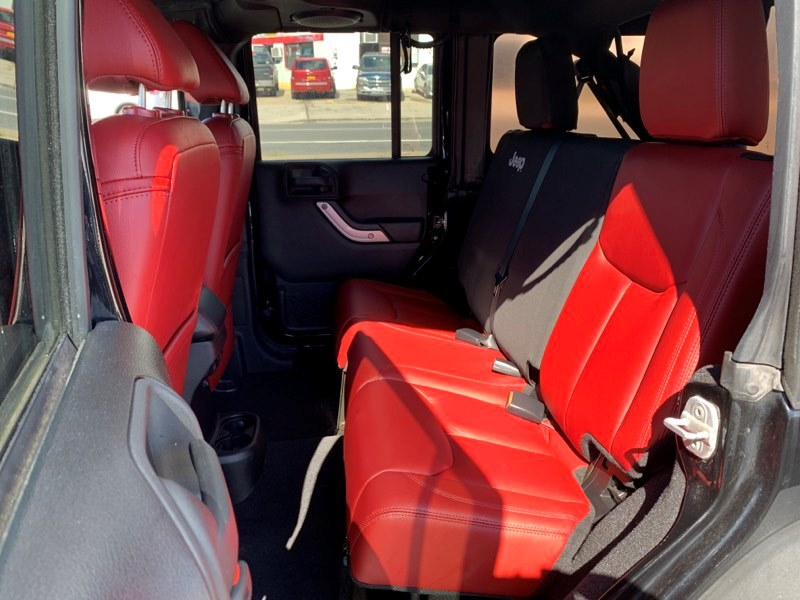 2013 Jeep Wrangler Unlimited 4WD 4dr Rubicon, available for sale in Inwood, New York   5townsdrive. Inwood, New York