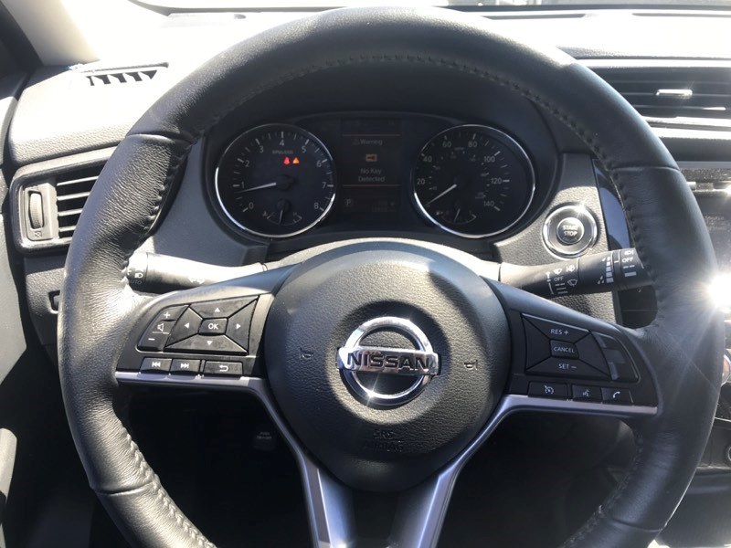 Used Nissan Rogue AWD SV 2018 | 5 Towns Drive. Inwood, New York