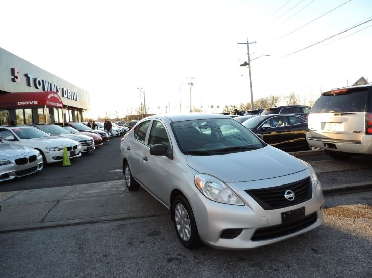 2014 Nissan Versa 4dr Sdn CVT 1.6 SV, available for sale in Inwood, New York | 5 Towns Drive. Inwood, New York
