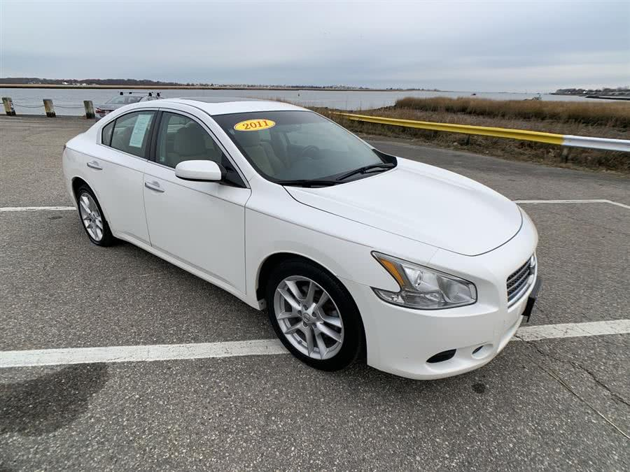 Used 2011 Nissan Maxima in Stratford, Connecticut | Wiz Leasing Inc. Stratford, Connecticut