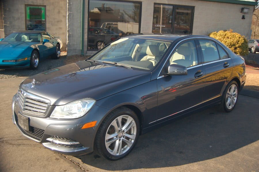 Used Mercedes-Benz C-Class 4dr Sdn C 300 Luxury 4MATIC 2013 | M&N`s Autohouse. Old Saybrook, Connecticut