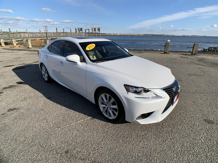 Used 2015 Lexus IS 250 in Stratford, Connecticut | Wiz Leasing Inc. Stratford, Connecticut
