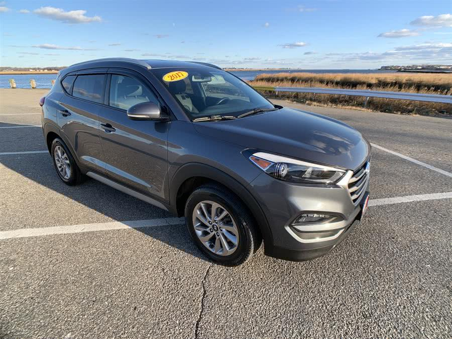 Used Hyundai Tucson SE AWD 2017 | Wiz Leasing Inc. Stratford, Connecticut