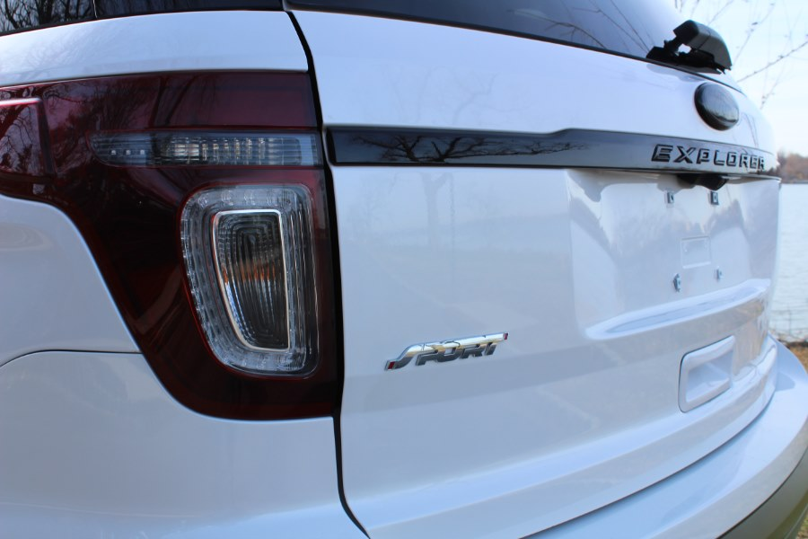 2013 Ford Explorer 4WD 4dr Sport, available for sale in Great Neck, NY