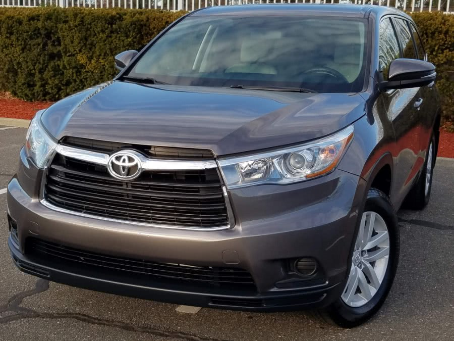 Used 2015 Toyota Highlander in Queens, New York