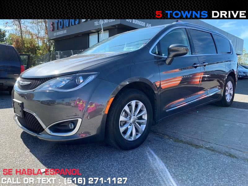 Used 2019 Chrysler Pacifica in Inwood, New York | 5townsdrive. Inwood, New York