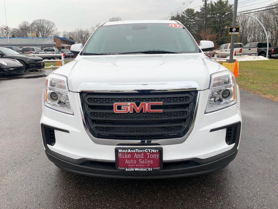 Used GMC Terrain FWD 4dr SLE w/SLE-1 2017 | Mike And Tony Auto Sales, Inc. South Windsor, Connecticut