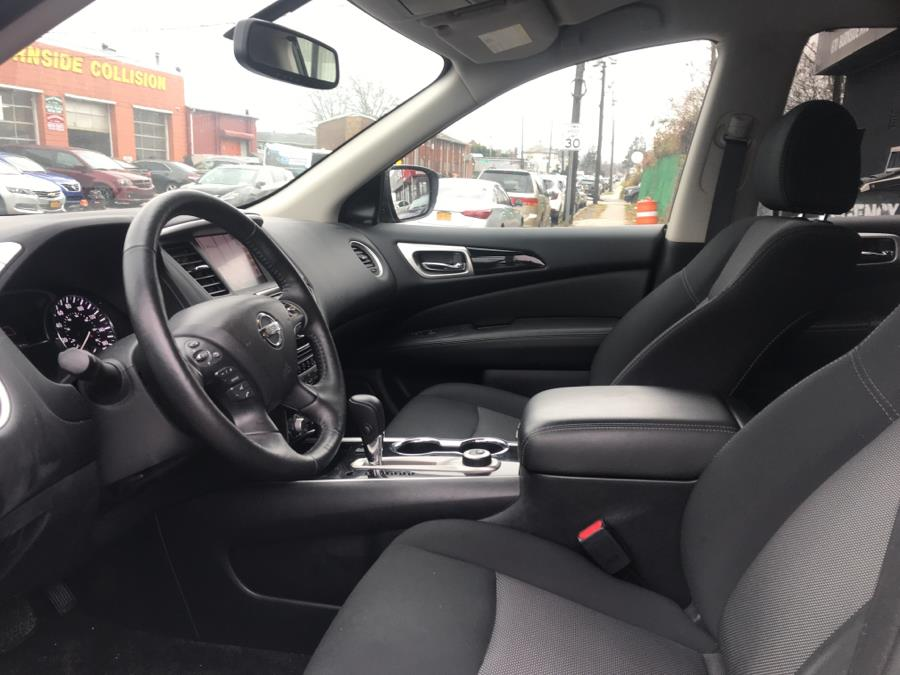 Used Nissan Pathfinder 4x4 SV 2018 | 5 Towns Drive. Inwood, New York
