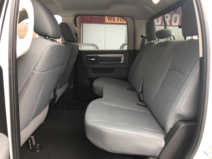 "Used Ram 1500 Classic SLT 4x4 Crew Cab 6''4"" Box 5.7 Hemi V8 2019 