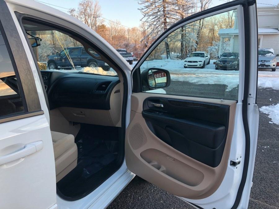 Used Dodge Grand Caravan American Value Pkg 2016 | Toro Auto. East Windsor, Connecticut