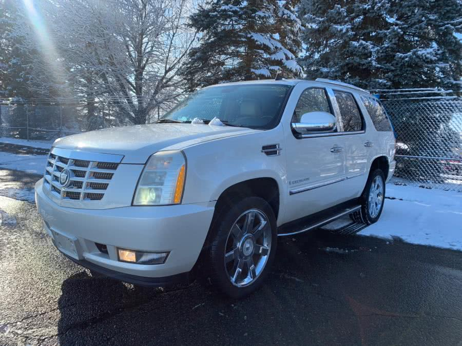Used 2007 Cadillac Escalade in Bristol , Connecticut | Riverside Auto Center LLC. Bristol , Connecticut