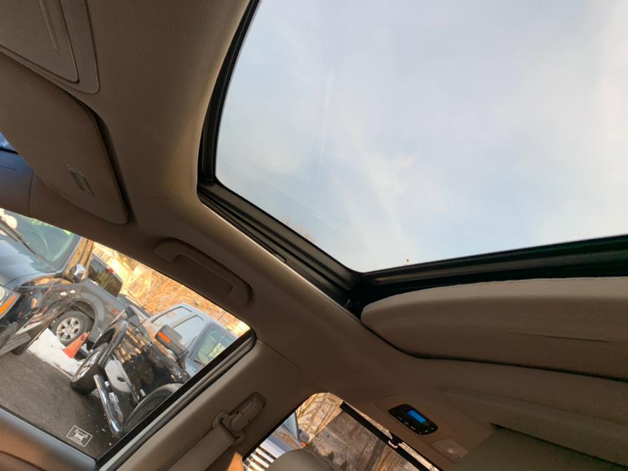 Used Honda Odyssey 5dr Touring Elite 2012 | Lava Motors. Canton, Connecticut